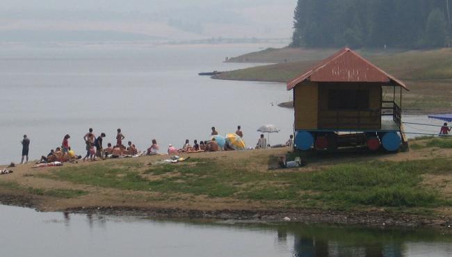 Vlasinsko_jezero_leti