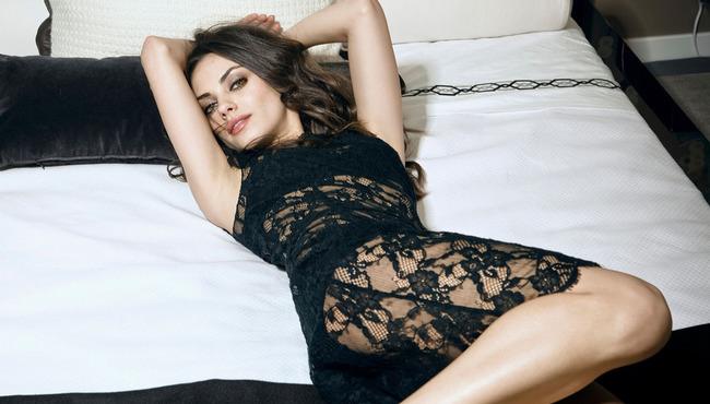 Mila-Kunis-Esquire-2010-6